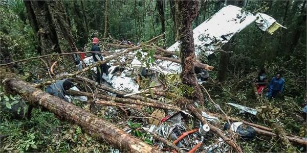 8 bodies found in indonesian plane crash