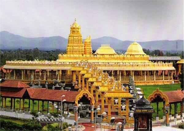 Beautiful! रात में स्वर्ग से कम नहीं लगता 15 हजार किलो सोने से बना है यह मंदिर
