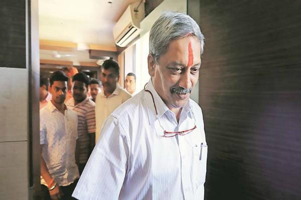 goa cm parrikar to visit america again for treatment