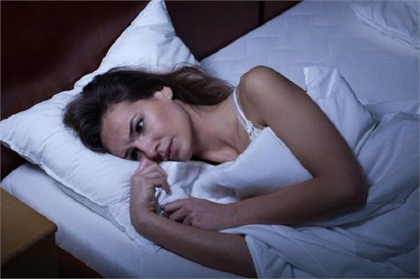 these habits give bad health while to sleeping