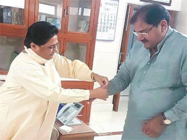 mayawati sticks to abhay chautala stirred up in political corridors