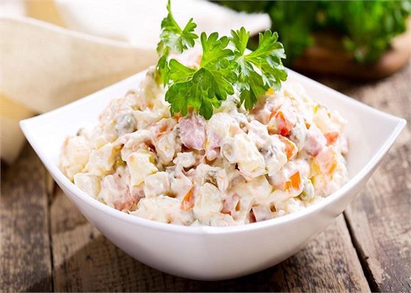 10 मिनट में बनाए हैल्दी और टेस्टी Russian Salad