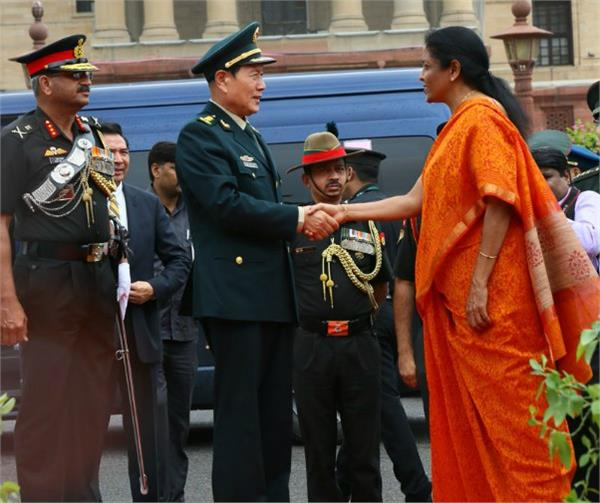 important meeting between defense ministers of india and china