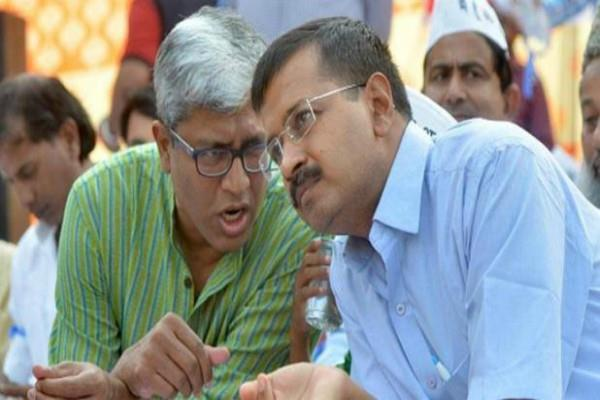 kejriwal on the resignation of ashutosh will not be accepted at this birth