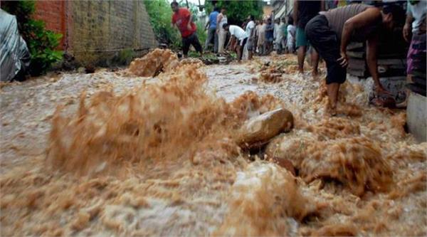 flash flood in jammu boy died