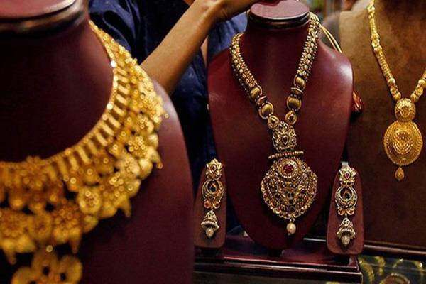 gold at rs 31 000 amid festive buzz
