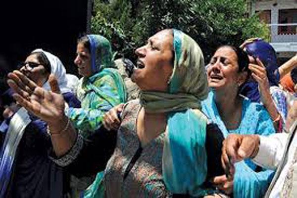 police paid tribute to martyr constable in kashmir