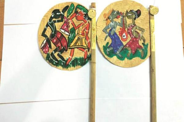bamboo fans made of tribal crafts will enhance the beauty of august 15