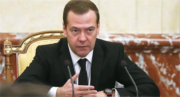 russian prime minister warns of us sanctions against new sanctions