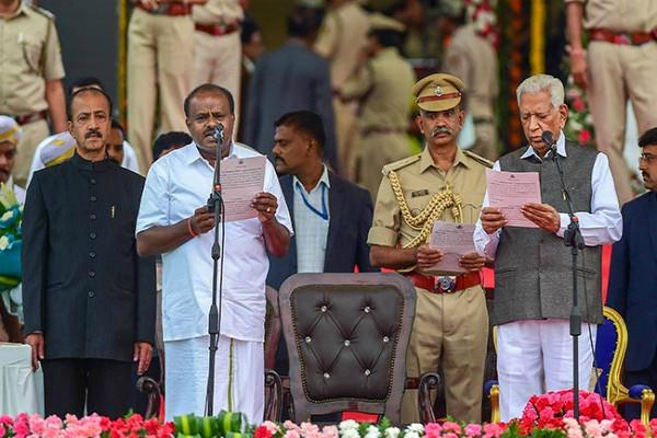 lakhs rupees spent on the oath ceremony of kumaraswamy