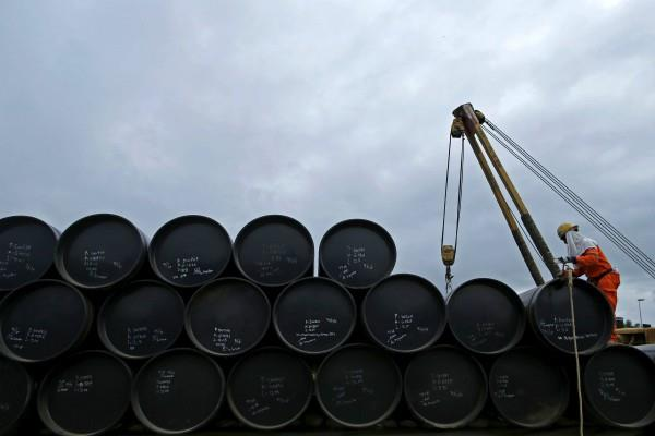 oil import bill will increase 26 billion dollar by fall in rupee