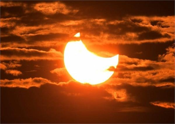 सूर्य ग्रहण के दौरान गर्भवती महिलाएं को नहीं करने चाहिए ये काम