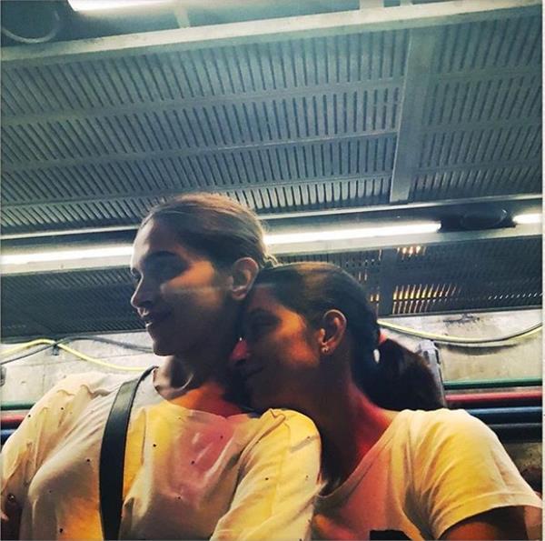 ranveer singh clicked deepika padukone pic with sister