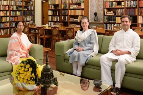 mamta banerjee will meet sonia gandhi and kejriwal