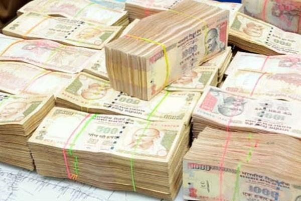 3 crore 36 lakh notes recovered in gujarat 3 arrested