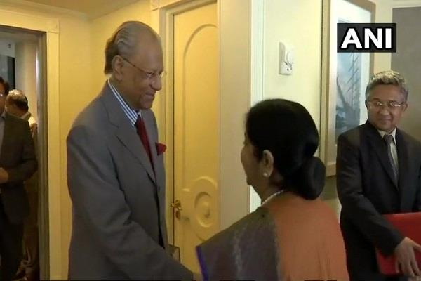 japan s defense minister arrives will talk to sitharaman