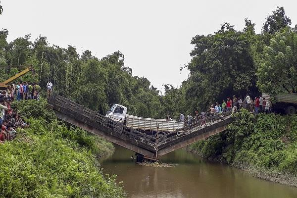 another bridge collapses in west bengal politics begins