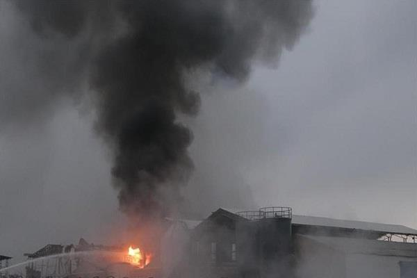 8 people die in od blast in south africa