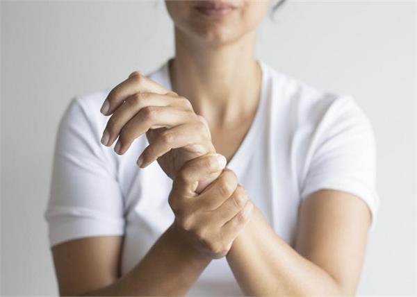 क्या है Bone Density और महिलाओं के लिए क्यों जरूरी है यह टेस्ट