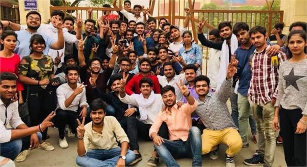 keshav college students will vote for dusu for the first time