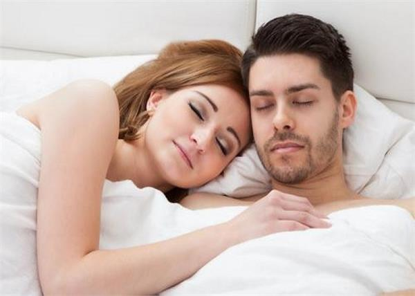 do you know these benefits of sticking sleep with partner