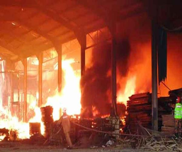 bijnor gas tank torn in petro chemical factory painful death of 6 people