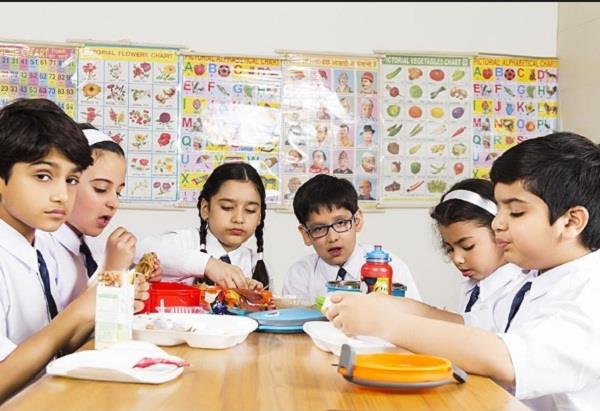 gujarat patron preparation to give breakfast to students of government schools