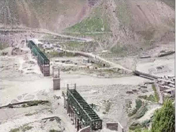manali leh route the longest bridge on the river darra river