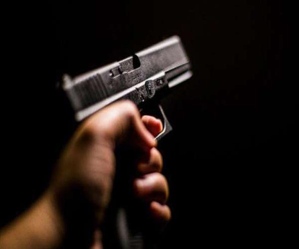 shooter target conductor thousands of rupees robbed absconding