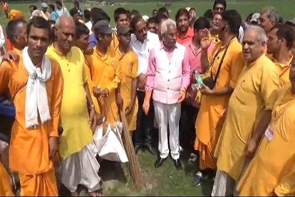 madan kaushik cleanliness along with ngo