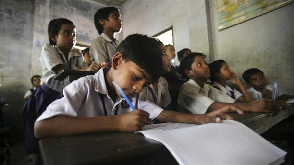 a lack no of teachers in schools
