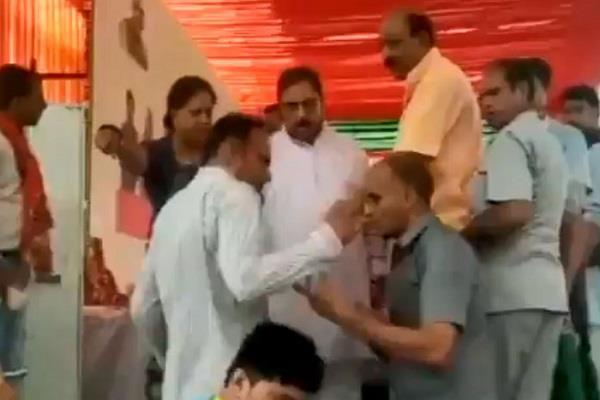 bjp leaders fight in presence of cm vasundhara raje