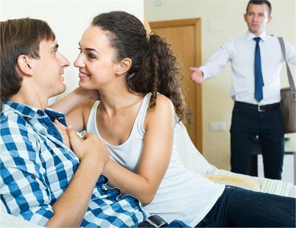 5 reasons why married women get attracted to young boys