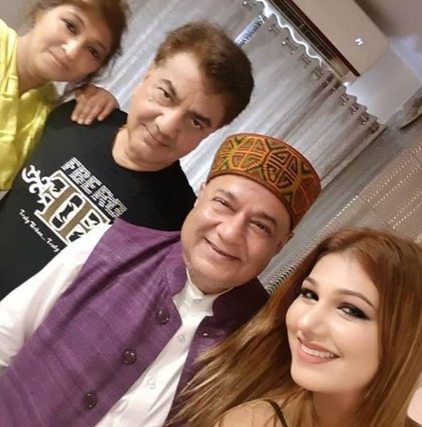 jasleen father reaction to her relationship with anup jalota
