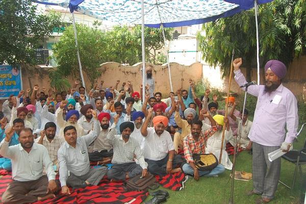 pwd demands executive engineer field workers punjab news