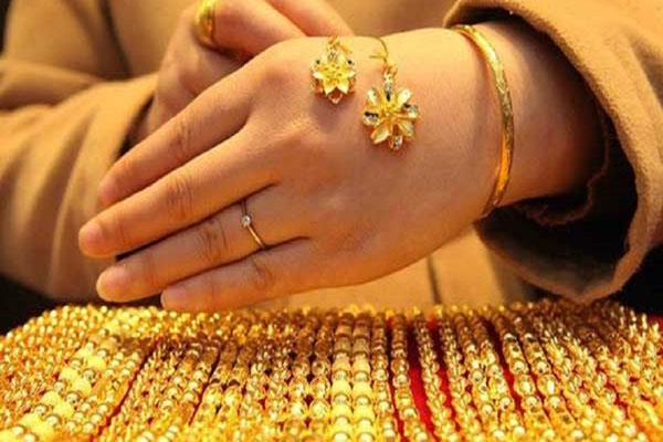 silver below rs 38 000 level stability in gold