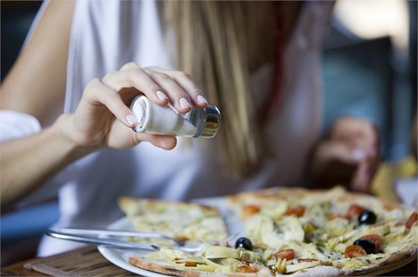 Health Update: ज्यादा नमक खाना भी कर सकता है किडनी फेल, जानिए कैसे ? - Nari
