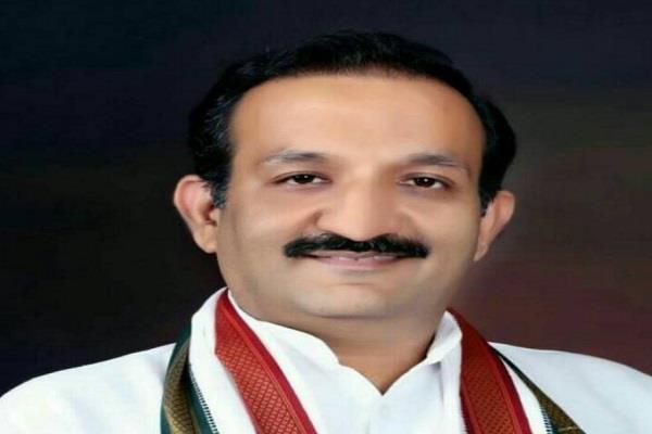tarun bhandari meets ahmed patel