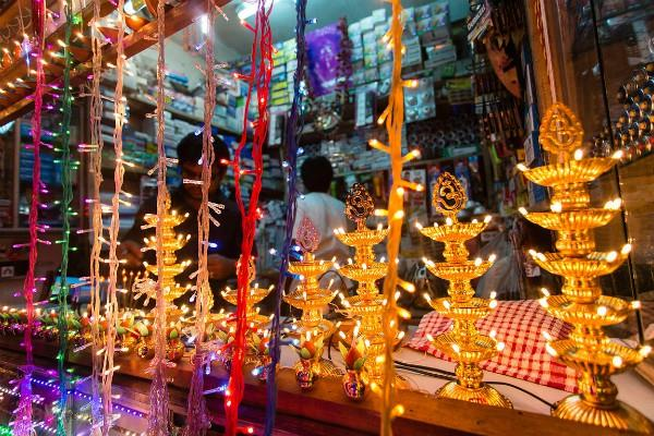 light accessories will be expensive on diwali