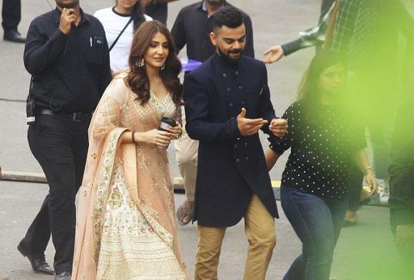 virat anushka seen in wedding look