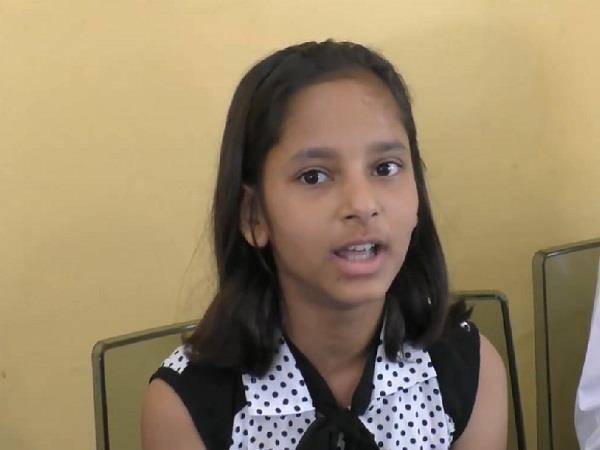 kullu 11 year old daughter came on beti bachao album