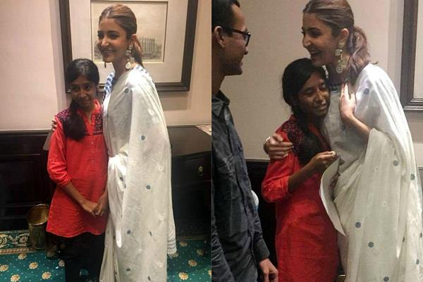 anushka sharma fan cries while meeting her favourite actress