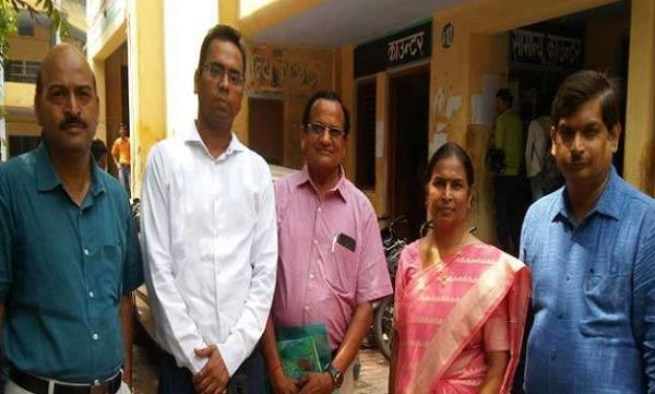 ias officer made such education given to son of the rickshaw puller