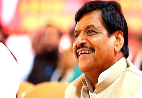 akhilesh to give election symbol to shivpal