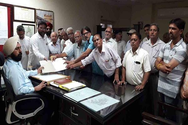 group meetings of sdm demand of action against accused given demand letter