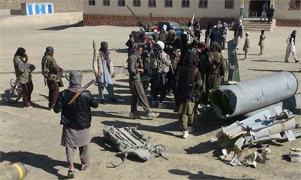 taliban seize four more districts as fighting intensifies in afghanistan