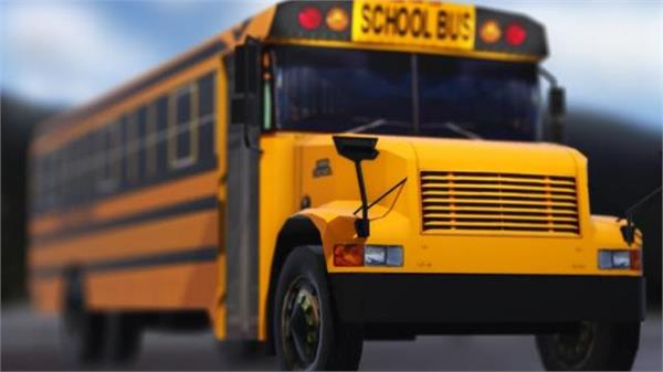 3 students drives bus to safety after driver passes out