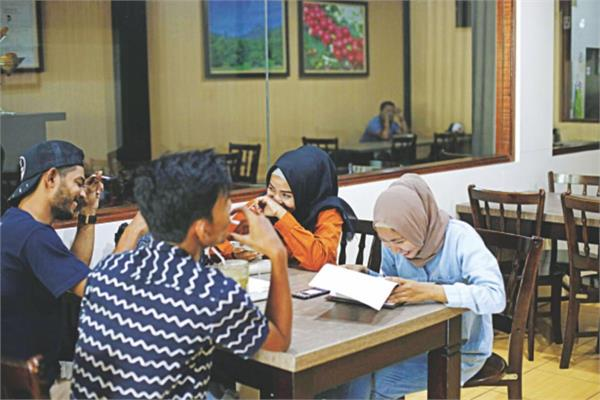 indonesian district bans men and women from dining together