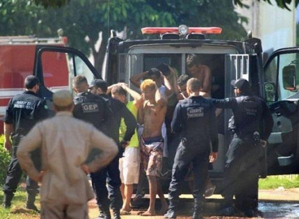 105 prisoners absconding from brazil s high security prison