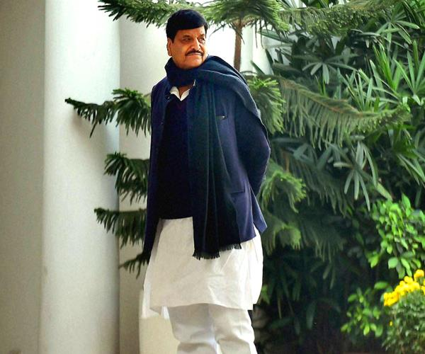 akhilesh joins secular front in sp bsp alliance shivpal